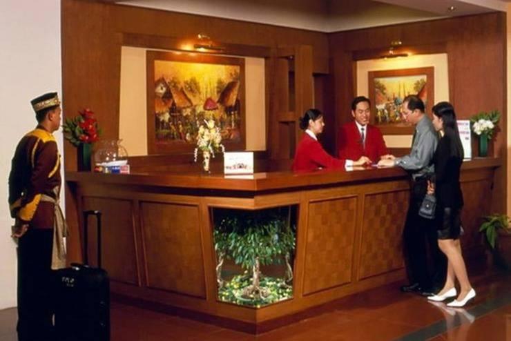 Abadi Suite Hotel   - Resepsionis