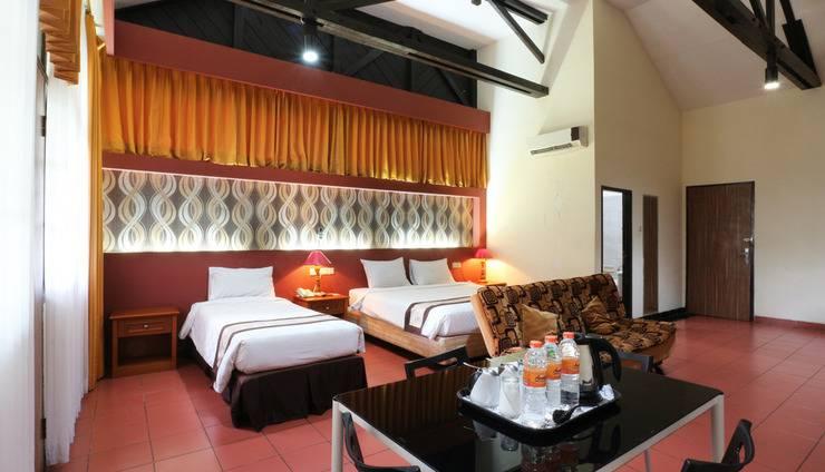 Hotel Desa Wisata Jakarta - Family Room
