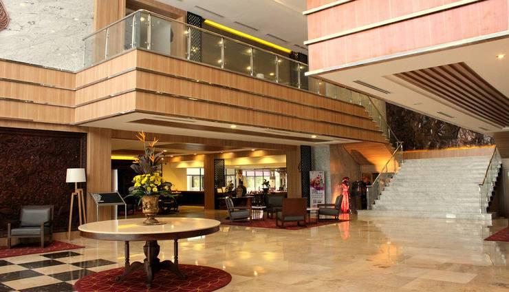Patra Jasa Semarang Convention Hotel Semarang - Lobi Hotel