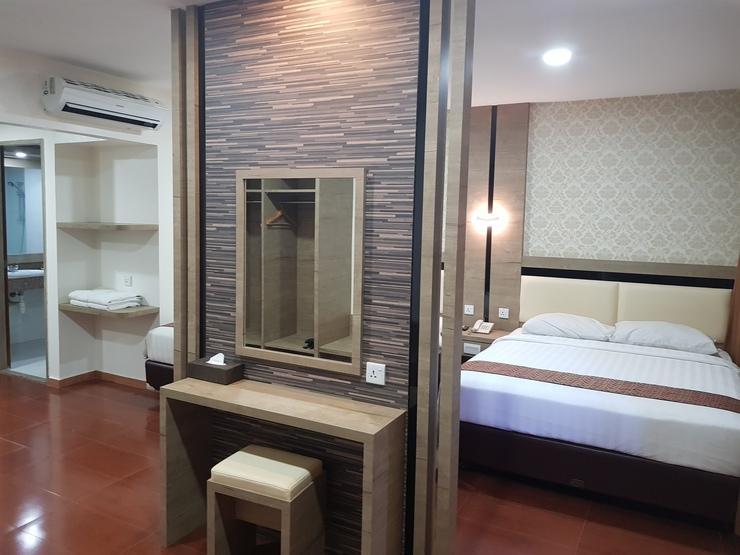 Hotel Seruni  Batam - Meja Rias