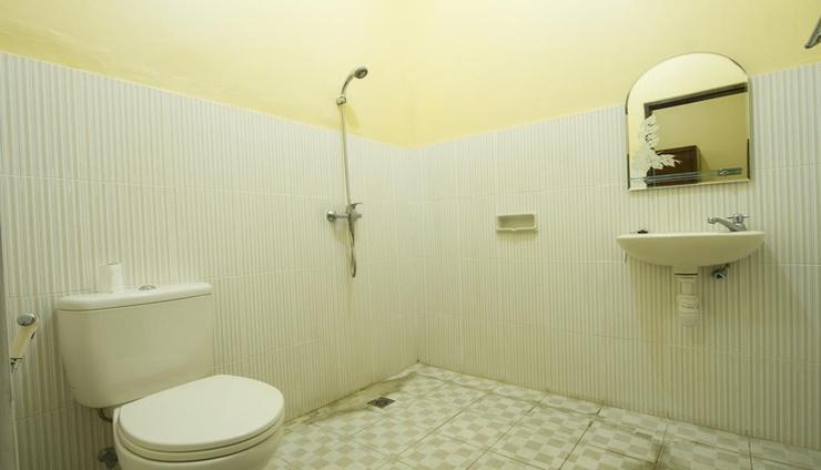 Seminyak Point Guest House Bali - Bathroom