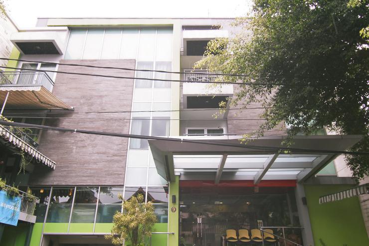 Airy Slipi Jakarta - Hotel Front