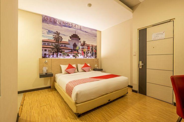 Capital O 1570 Hotel Promenade Cihampelas Bandung - Bedroom