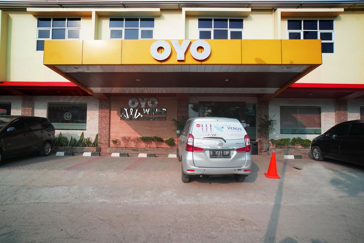 OYO 147 Hotel Winer Palembang - facade