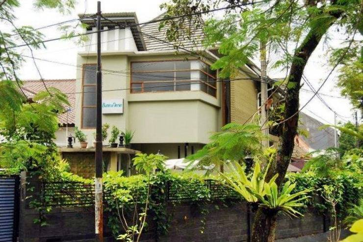Buminanienie Family Guest House Bandung - Tampilan Luar Hotel