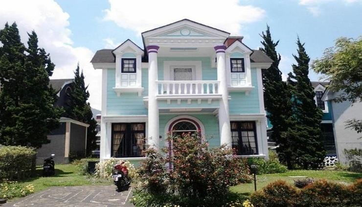 Santibi's Villa Kota Bunga Orlando Cianjur - Facade