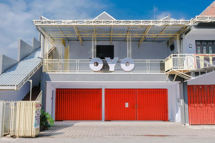 OYO 1109 Bing Jaya Guest House Malang - Facade