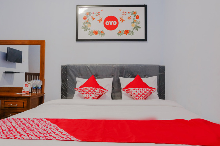 OYO 1109 Bing Jaya Guest House Malang - Guestroom SD