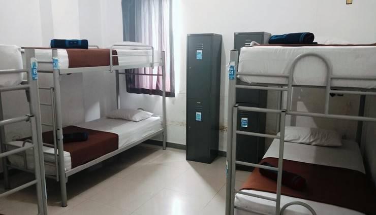 Chez Bon Hostel Bandung - Medium Room in 6 bed