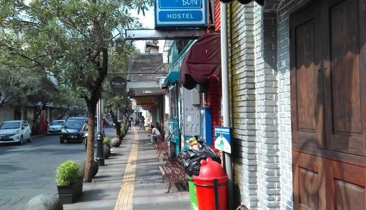 Chez Bon Hostel Bandung - Chezbon