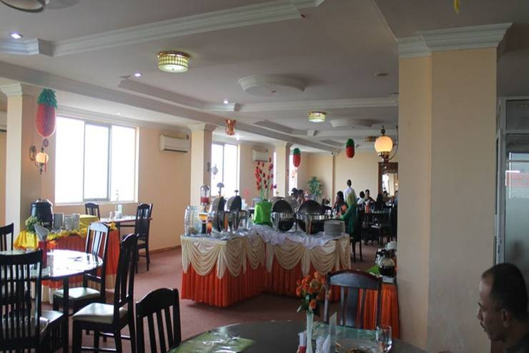 Hotel Resty Menara Pekanbaru - Ruang Makan