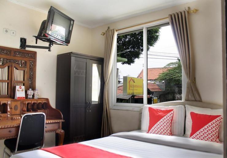 OYO 188 Wisma Nely Murni Guesthouse Jakarta - Bedroom