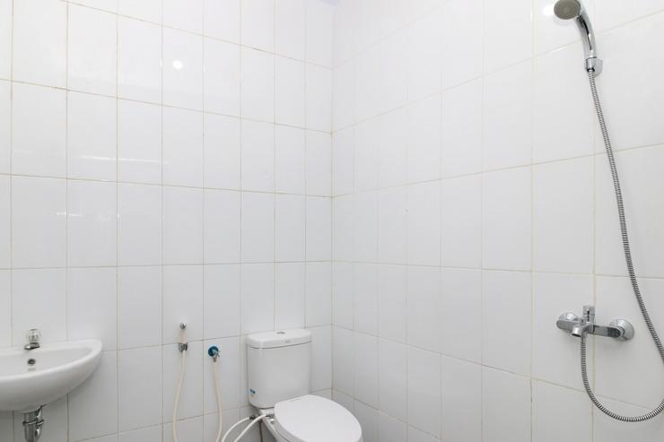 Airy Rappocini Pelita Raya A5 8 Makassar  Makassar - Bathroom