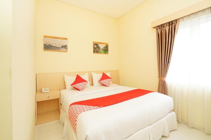 OYO 272 M Suite Homestay Malang - BEDROOM