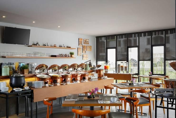 BATIQA Hotel Jababeka - Breakfast Area