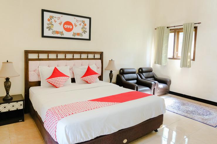 OYO 563 Damar Mas Resort Lereng Kelud Kediri - Bedroom