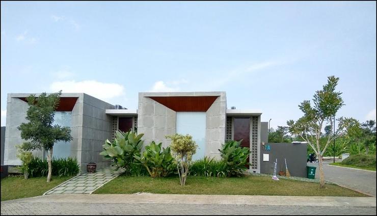 Villa Kingspark Malang - exterior