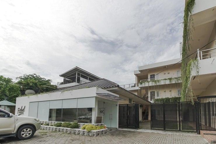 RedDoorz near Sriwijaya University Palembang 2 Palembang - Exterior