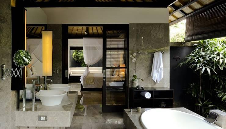 Peppers Seminyak - 3 to 5 Bedroom Villa - kamar mandi