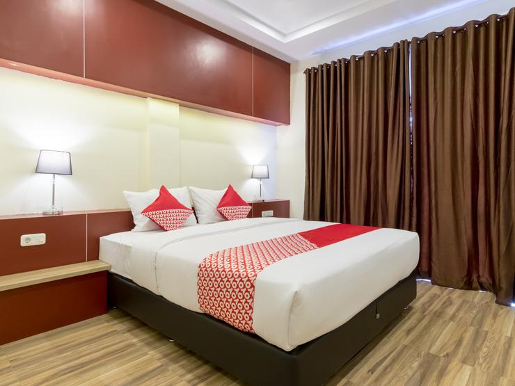 OYO 727 Merlion Hotel Medan - Deluxe Double