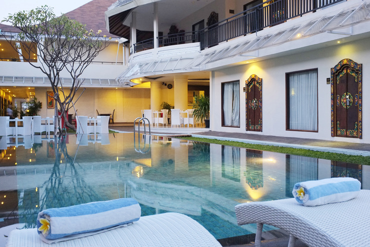 Agung Putra Bali Hotels & Apartments - Pool view