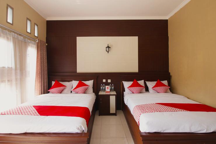 OYO 820 Abad Baru Hotel Pangandaran - Bedroom