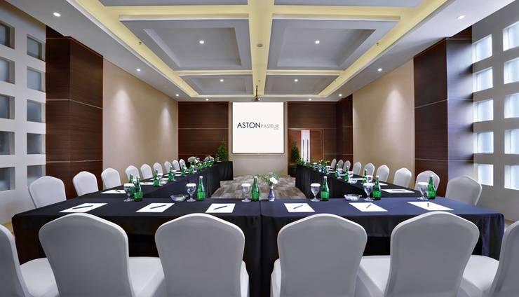 Aston Pasteur Bandung - Meeting Room
