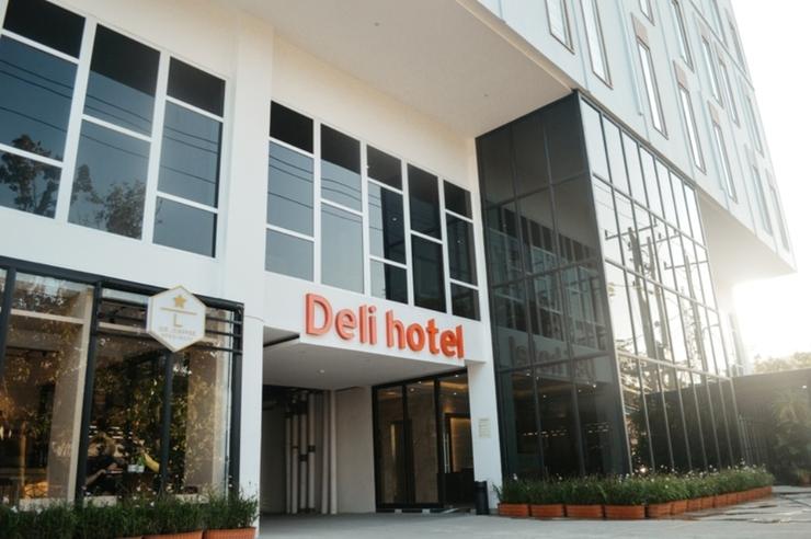 Deli Hotel Medan - Exterior