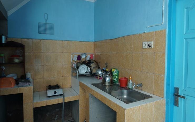 Anjani Guesthouse Yogyakarta Yogyakarta - Kitchen
