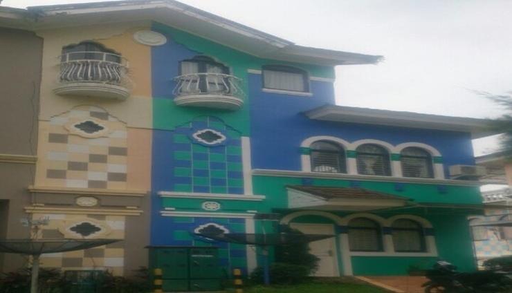 Villa Kota Bunga Eidelweis Cianjur - Facade