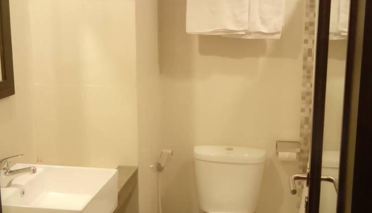 Jodipati Hotel Bengkulu - Toilet kamar deluxe