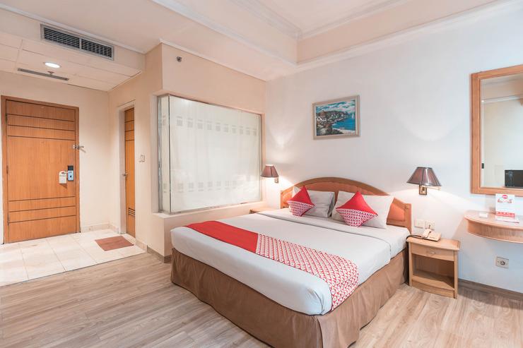 OYO 784 Hotel Bulevar Jakarta - Bedroom