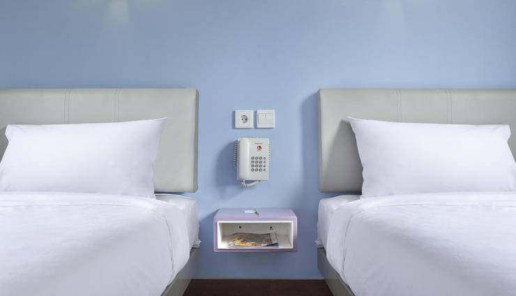 Amaris Hotel Serpong Tangerang - Smart Twin