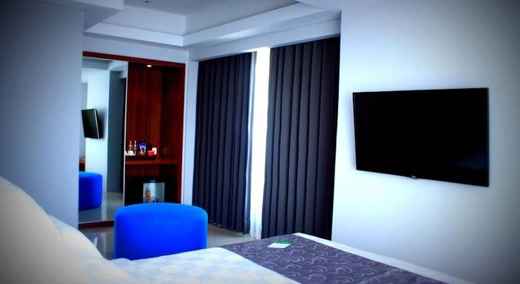 Crown Prince Hotel Surabaya - (16/June/2014)