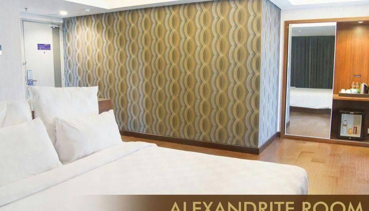 Crown Prince Hotel Surabaya - Alexandrite Room