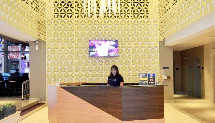 Crown Prince Hotel Surabaya - Lobby