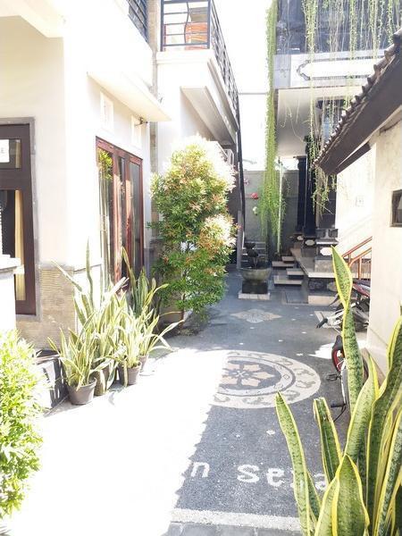 Jepun Segara Airport Guest House Bali - Facade