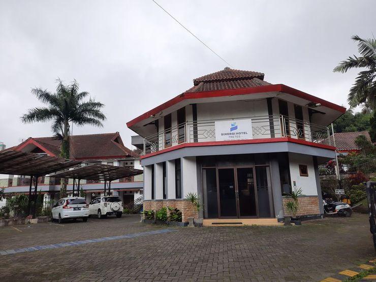 Hotel Sinergi Tretes Pasuruan - Exterior