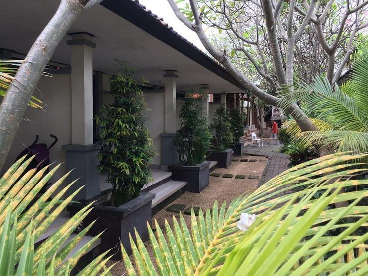 Gina's Guest House Bali - Facade