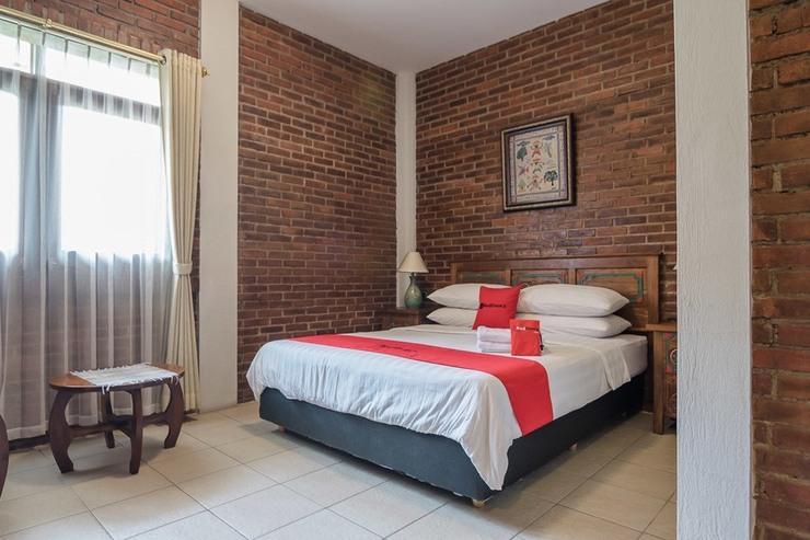 RedDoorz Plus near Exit Toll Pasteur 2 Bandung - Guestroom