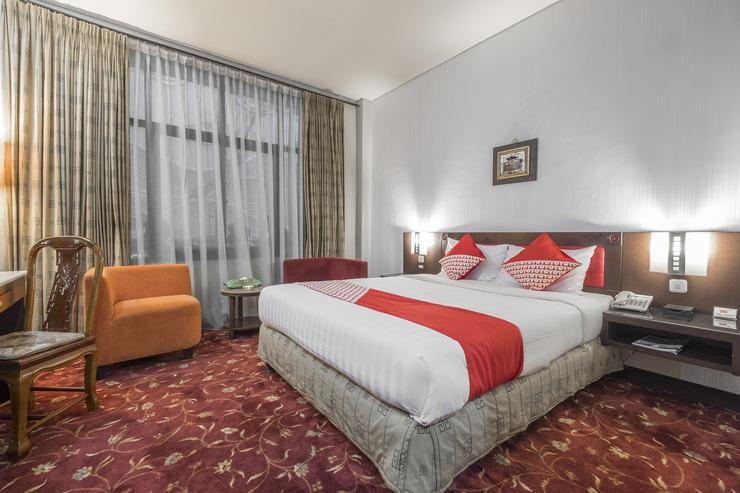 OYO 821 Hotel Dinasti Makassar - Bedroom