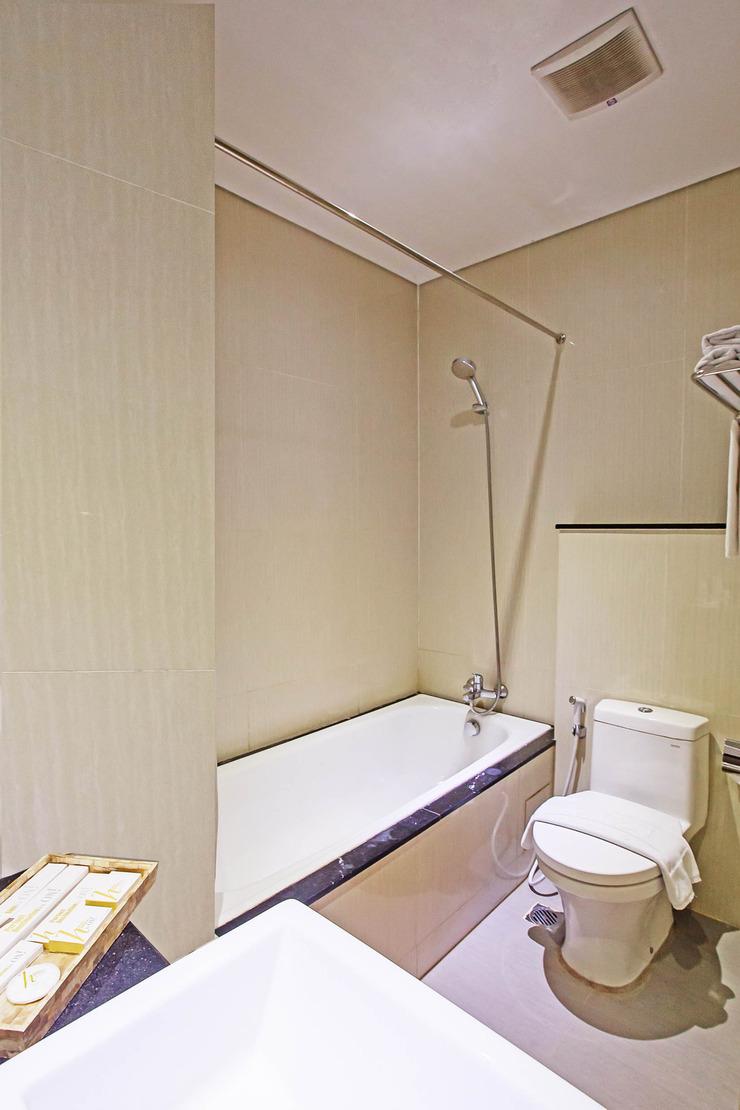 Hotel Beston Palembang Palembang - Bathroom