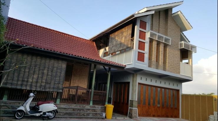 D'Ijen Homestay Banyuwangi - Exterior