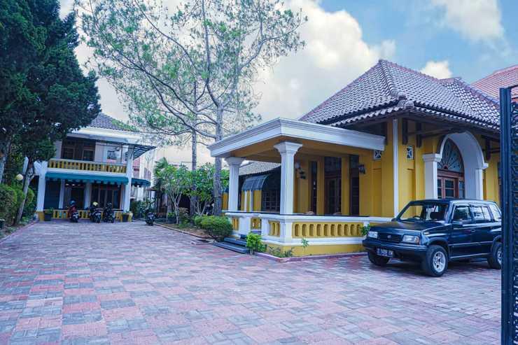 Wisma Yasmin Syariah Garut - Exterior