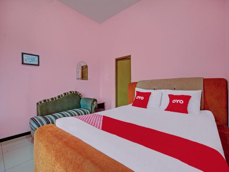 OYO 3866 Villa Gothick Malang - Bedroom