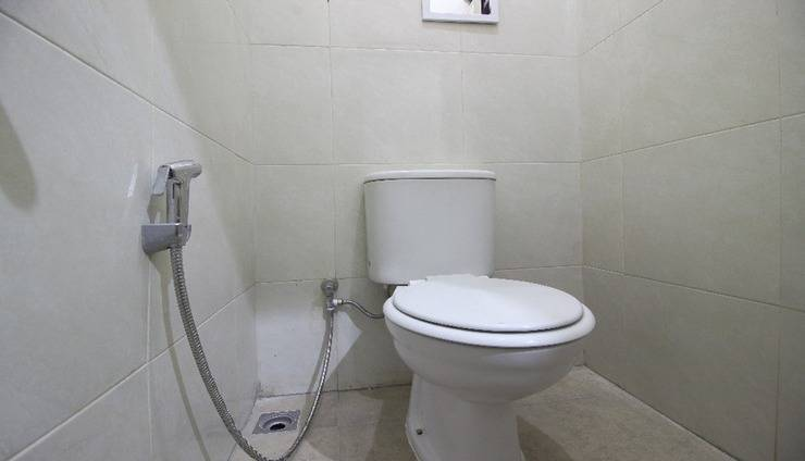 Cantik Manis Guesthouse Yogyakarta - Bathroom