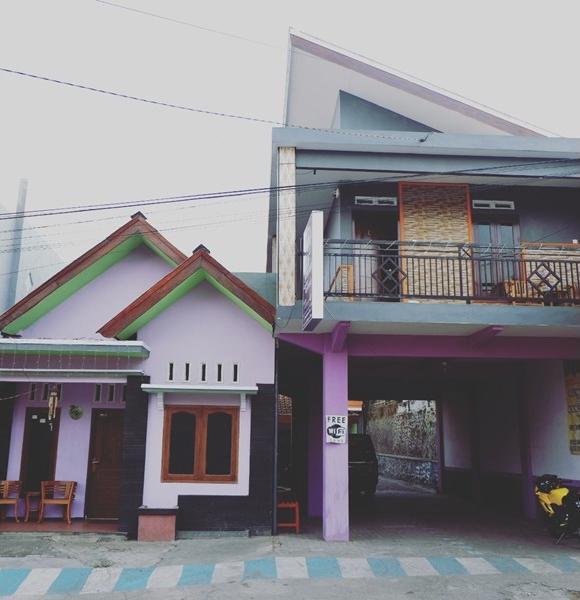 Alpukat Homestay Malang - Exterior
