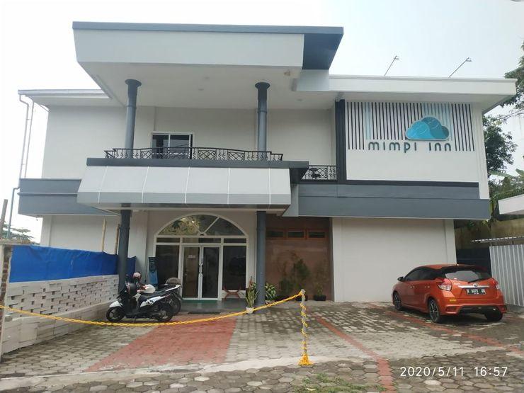 Mimpi Inn Semarang - Exterior