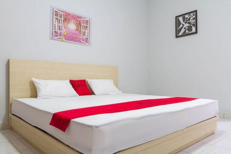 RedDoorz Resort @ Ciater - Guestroom