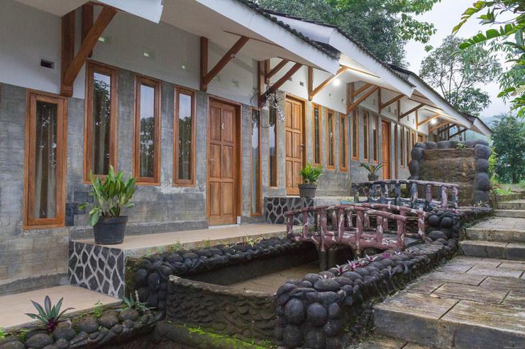 RedDoorz Resort @ Ciater - photo